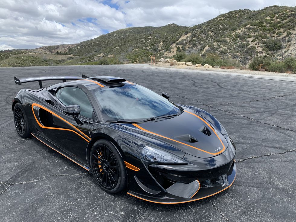 McLaren 620R Model Is One Of The Last Cost-Efficient Super Series Cars